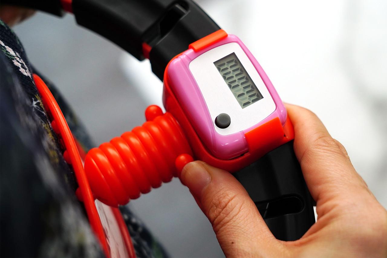 ▲ 실제 사용하면 위와 같이 회전 수가 전자 계기판에 측정된다